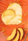 Creme bávaro dado forma coração do pêssego (bavarese) fotografia de stock