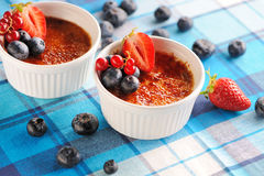 Creme brulee (cream brulee, burnt cream) Royalty Free Stock Images