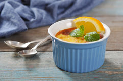 The creme brulee with orange Royalty Free Stock Photography