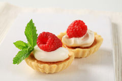 Creme brulee tartlets Royalty Free Stock Photography