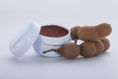 Creme hidratante extraído do tamarindo Fotos de Stock Royalty Free