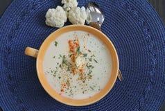 Creme saudável da sopa da couve-flor Imagem de Stock Royalty Free