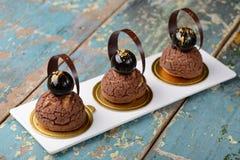 Cremeux-Schokolade Chouxnachtisch Stockfotografie