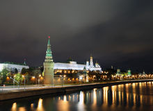 Cremlino di Mosca alla notte Immagine Stock