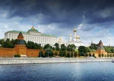 Cremlino, vista dal fiume di Mosca, Mosca fotografia stock