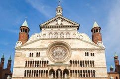 Cremona, facciata della cattedrale fotografia stock