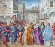 CREMONA, ITALIA, 2016: L'affresco della st Joachim e St Anne, genitori di vergine Maria nella cattedrale da Boccaccio immagine stock