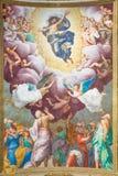 CREMONA, ITALIA, 2016: L'ascensione dell'affresco di signore nel centro della volta in Chiesa di San Sigismondo da Giulio Campi fotografia stock
