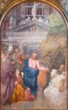CREMONA ITALIEN, 2016: Freskomålninguppståndelsen av Lazarus i Chiesa di Santa Rita vid Giulio Campi & x28; 1547& x29; Arkivbild