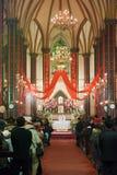 Crentes a participar na cerimónia em massa Fotografia de Stock Royalty Free