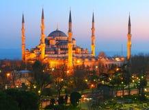 Crepúsculo azul da mesquita de Ahmet da sultão Foto de Stock Royalty Free