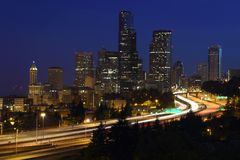 Crepúsculo da baixa de Seattle Imagens de Stock Royalty Free