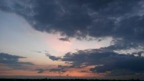 Crepúsculo das nuvens da marinha fotos de stock royalty free