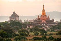 Crepúsculo de Bagan, Myanmar. imagen de archivo