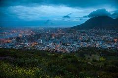 Crepúsculo de Cape Town, colina de la señal, Suráfrica fotografía de archivo