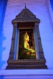 Crepúsculo de oro de buddha, Bangkok, Tailandia Fotos de archivo
