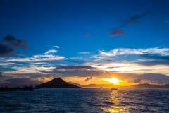 Crepúsculo de Victoria Harbour Western, Hong Kong Fotografía de archivo