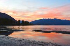 Crepúsculo de Wanaka del lago Fotos de archivo