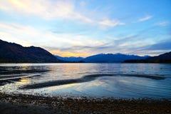 Crepúsculo de Wanaka del lago Imágenes de archivo libres de regalías