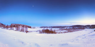Crepúsculo del invierno Destinación de la nieve landscape Foto de archivo