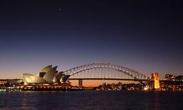 Crepúsculo del puente de puerto de Sydney Imágenes de archivo libres de regalías