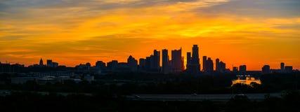 Crepúsculo do centro da skyline da silhueta épico de Austin do nascer do sol Imagem de Stock