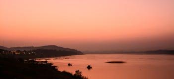 Crepúsculo do rio de Khong em Chaingkhan Imagem de Stock