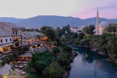 Crepúsculo em Mostar, em Bósnia e em Herzegovina Fotos de Stock Royalty Free