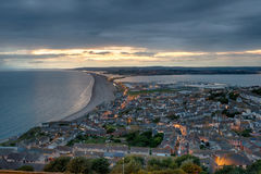 Crepúsculo em Portland em Dorset imagens de stock