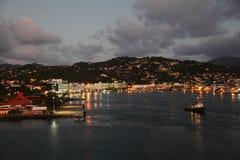 Crepúsculo en Castries, Santa Lucía, isla caribeña foto de archivo