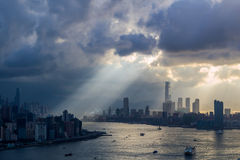 Crepúsculo en día nublado fotos de archivo