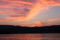 Crepúsculo en el lago George. Fotos de archivo libres de regalías