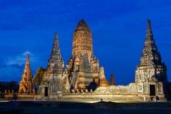 Crepúsculo en Wat Chaiwatthanaram Foto de archivo