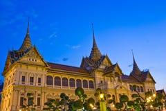 Crepúsculo grande do palácio foto de stock