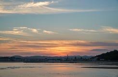 Crepúsculo na praia Fotos de Stock Royalty Free