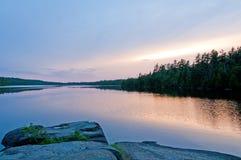 Crepúsculo no país da canoa Fotos de Stock