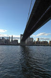 Crepúsculo - ponte de Brooklyn imagem de stock