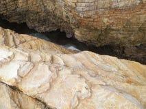 Crepa nelle rocce fotografia stock