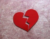 Crepacuore/cuore rotto o divorzio rosso immagine stock libera da diritti