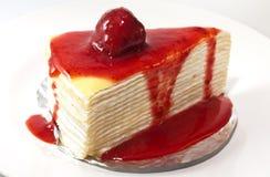 Η φράουλα crepe το κέικ Στοκ εικόνα με δικαίωμα ελεύθερης χρήσης
