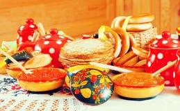 Crepe con el caviar rojo Imagen de archivo libre de regalías