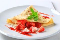 Crepe with fresh strawberries Stock Photos