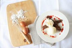 Crepes шоколада с мороженым Взгляд сверху Стоковые Изображения RF
