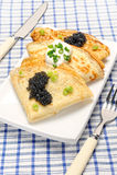 Crepes con el caviar negro Fotos de archivo libres de regalías