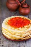 Crepes con el caviar rojo Fotografía de archivo libre de regalías