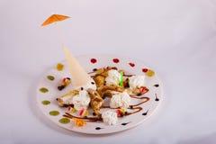 Crepes deliciosas con helado en él Imágenes de archivo libres de regalías