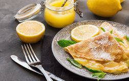 Crepes with lemon curd Royalty Free Stock Photos