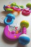 Crepitio del bambino Giocattoli Immagini Stock Libere da Diritti