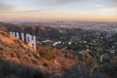 Crepuscolo del segno di Hollywood Immagine Stock