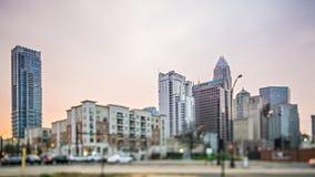 Crepuscolo ed alba sopra Charlotte North Carolina fotografia stock libera da diritti